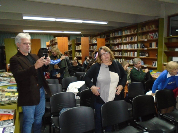 Biblioteca Popular Bernardino Rivadavia presenta Tierra en Sombras 6