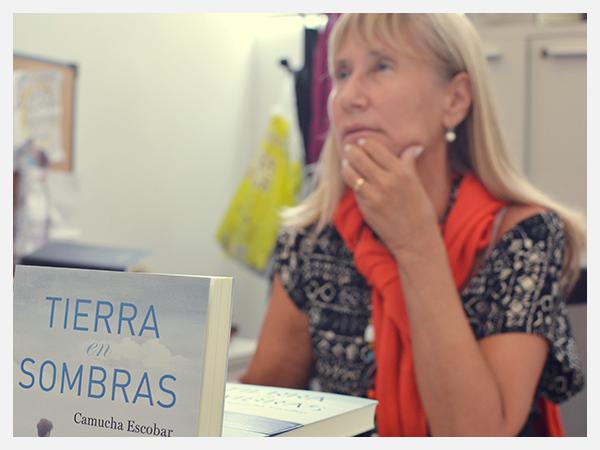 Editorial Plaza and Janes con Camucha Escobar 2