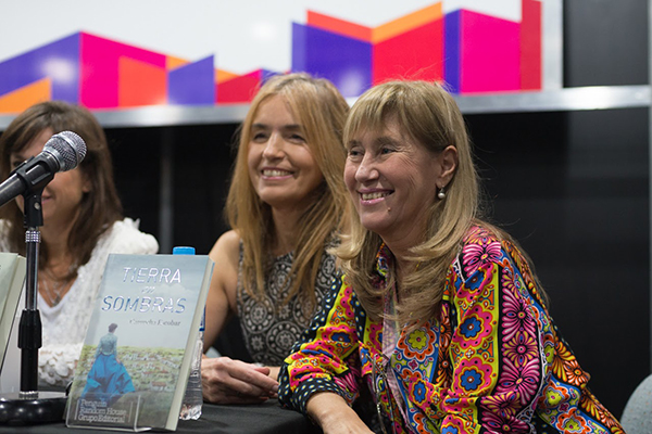 Feria Internacional del Libro de Buenos Aires con Camucha Escobar 1