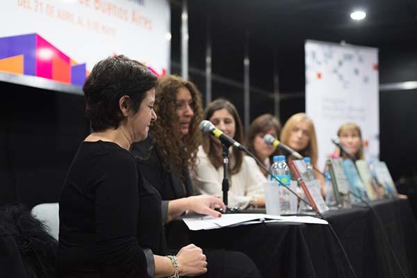 Feria Internacional del Libro de Buenos Aires con Camucha Escobar 15
