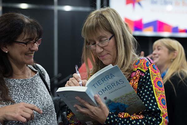 Feria Internacional del Libro de Buenos Aires con Camucha Escobar 24