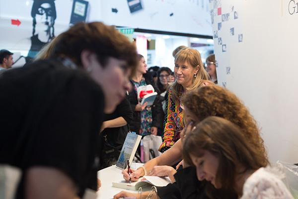 Feria Internacional del Libro de Buenos Aires con Camucha Escobar 26