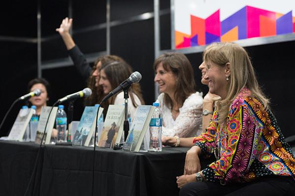 Feria Internacional del Libro de Buenos Aires con Camucha Escobar 4