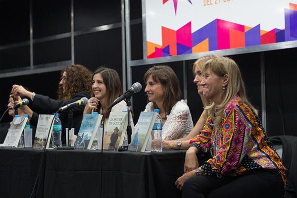 Feria Internacional del Libro de Buenos Aires con Camucha Escobar 5